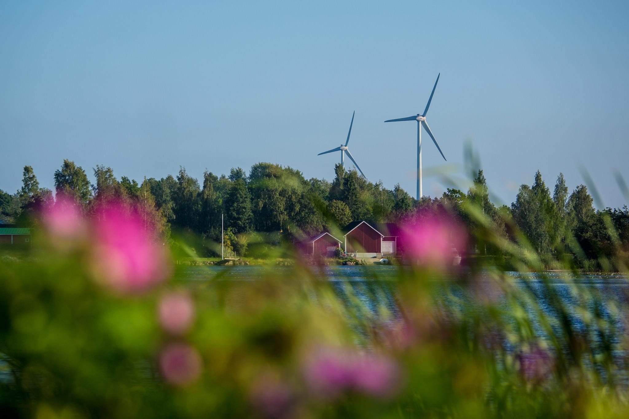 Sataman tuulivoimalat